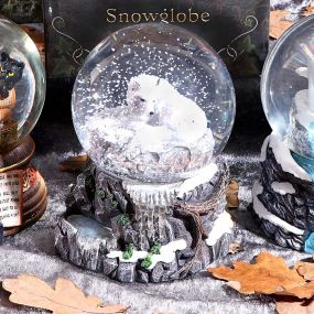 Guardian of the North Snowglobe (LP) 14.5cm