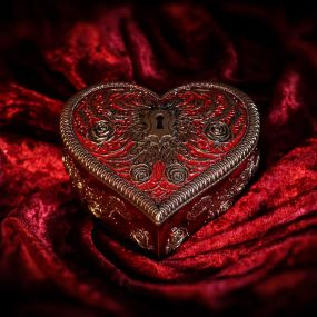 Heart and Key by Vincent Hie 11.3cm
